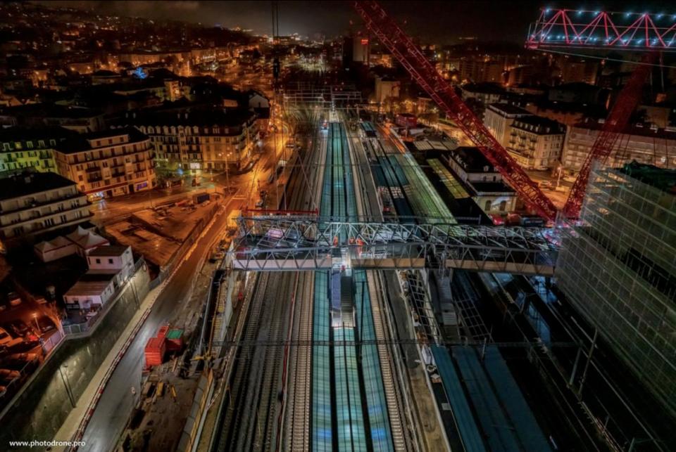 Passerelle Rayon vert et aménagementdes places nord et sud – farra zoumboulakis & associés architectes urbanistes