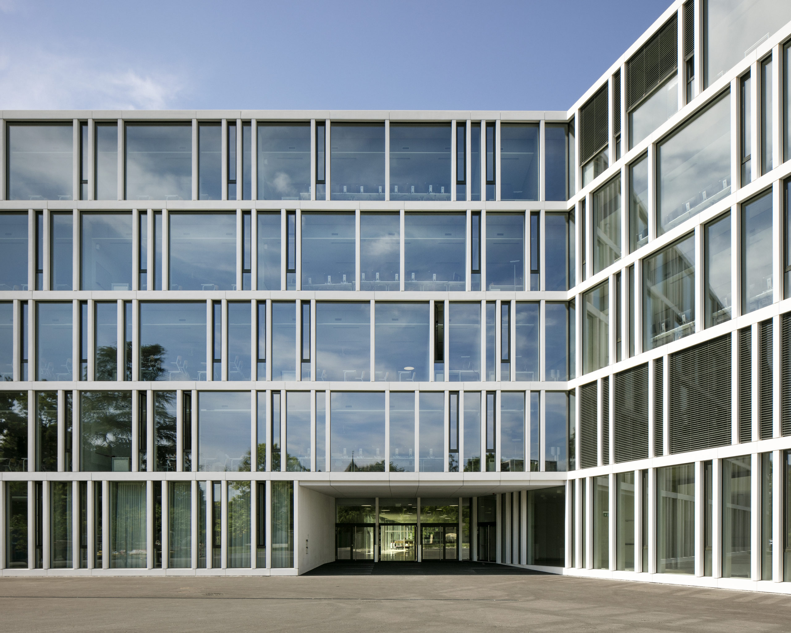 Ecole de commerce «Raymond Uldry» meier & associés architectes